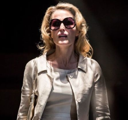 gillian_anderson_blanche_dubois_in_a_streetcar_named_desire_at_the_young_vic_c_johan_persson_0