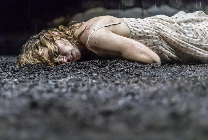 yerma-at-the-young-vic.-photo-by-johan-persson