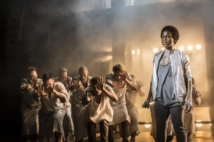 rsz_tyrone_huntley_as_judas_and_ensemble_photo_johan_persson