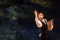 sunday-in-the-park-with-george-jake-gyllenhaal-0965-photo-credit-matthew-murphy