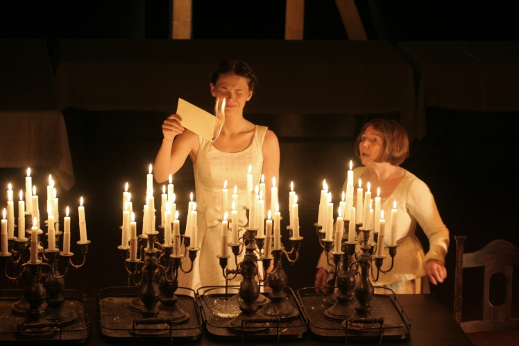 Maly-Drama-Love-Intrigue_-Elizaveta-Boyarskaya-and-Tatiana-Shestakova_PC-Victor-Vassiliev