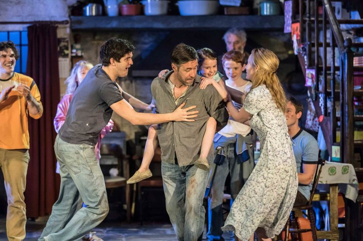 the-ferryman-royal-court-theatre-production-photo-2017-08-hr
