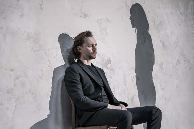Tom-Hiddleston-Robert-in-Betrayal-directed-by-Jamie-Lloyd..-Photo-credit-Marc-Brenner