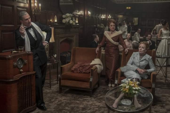 hollywood-netflix-tv-series-fashion-style